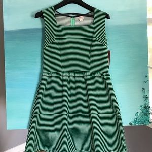 Merona dress in Kelly and navy stripes size large